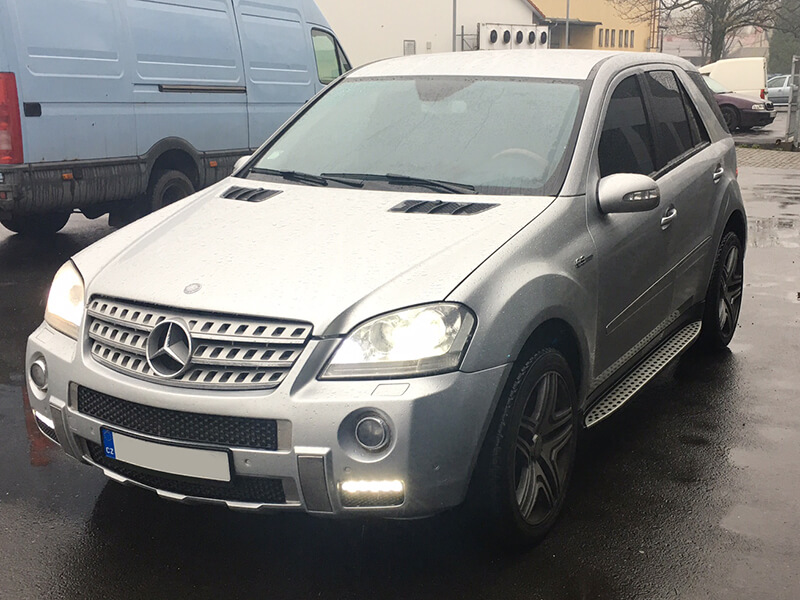 auto mercedes benz ml320