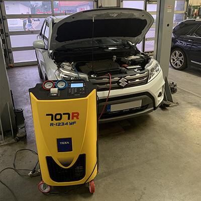 Reference plnění klimatizace auta nedaleko Frýdku Místku